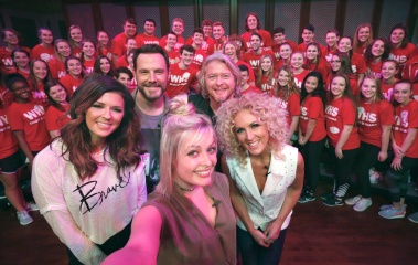 Little Big Town Selfie with Ohio Student Choir Group