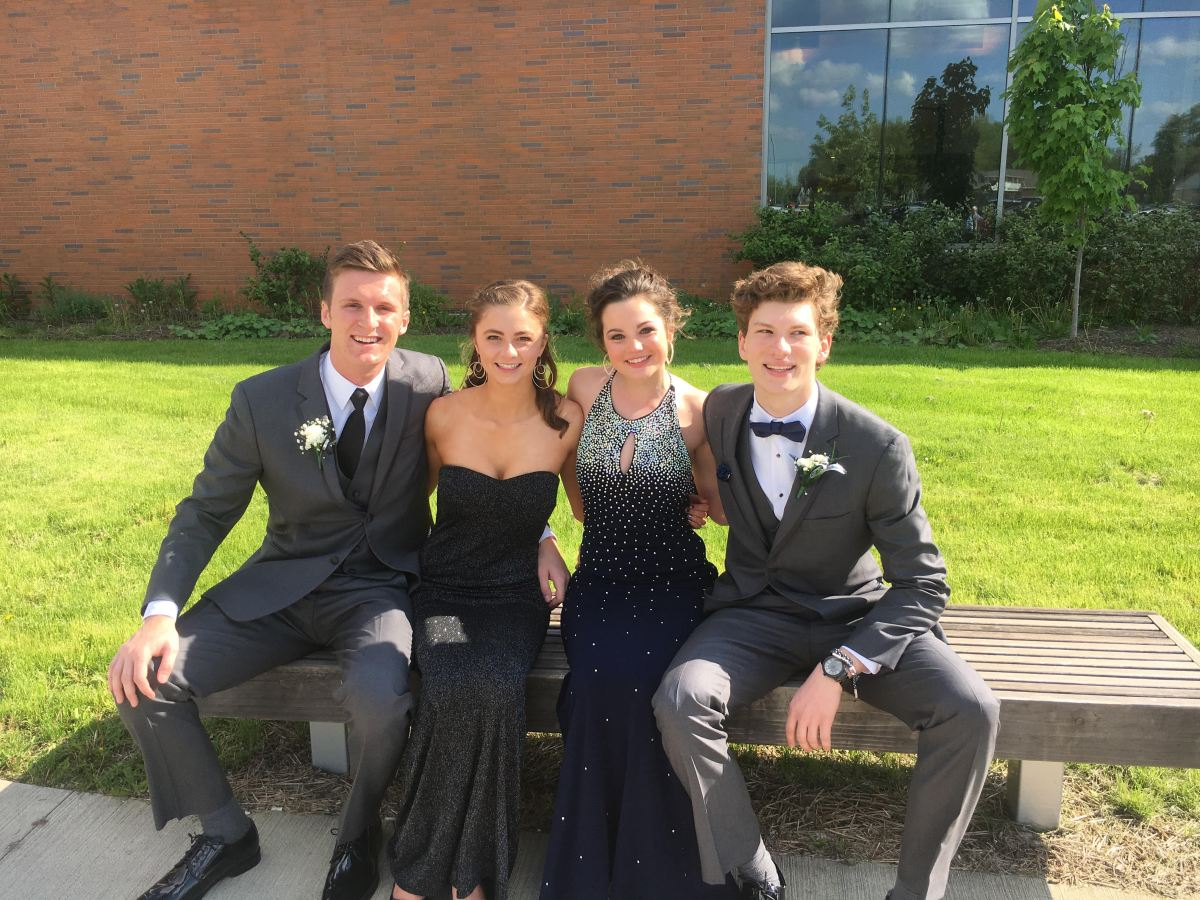 Dressed to impress: Senior Prom 2017